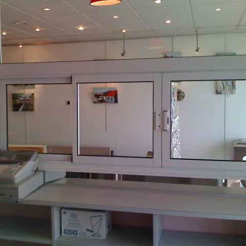 comptoir d 39 accueil. Black Bedroom Furniture Sets. Home Design Ideas