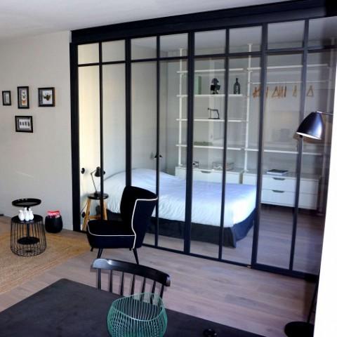 s parations vitr es. Black Bedroom Furniture Sets. Home Design Ideas