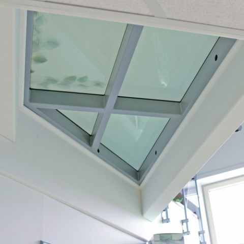 Pose ou remplacement d 39 une dalle de sol en verre dans le nord pas de cal - Dalle de sol en verre prix ...